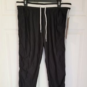 Raw Yarn Industries Young Mens Jogger NWT Large